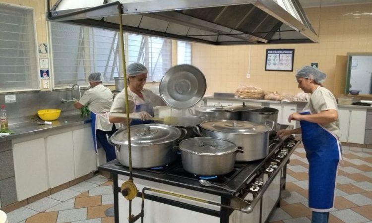 Auxiliar de Cozinha – R$ 1.059,00 –Self service – Penha – Ligue e agende sua Entrevista