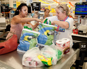 Empacotadora -Empacotar as compras dos clientes - Rio de Janeiro