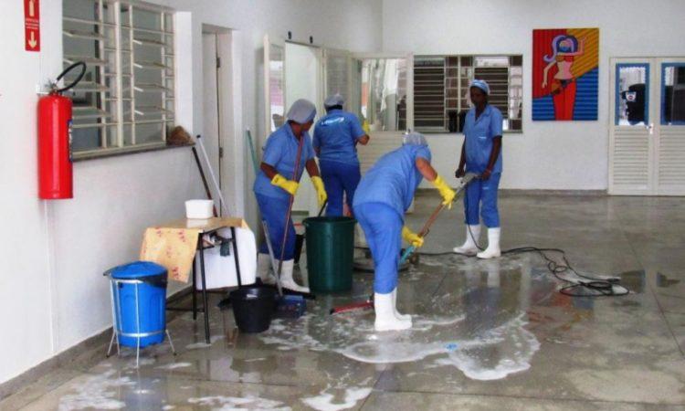 Auxiliar de Serviços Gerais - Trabalhar em equipe - Rio de Janeiro
