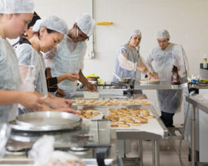 Auxiliar de Cozinha - Corte de legumes - Rio de Janeiro