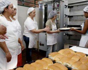 Padeiro - Preparar a massa dos pães - Rio de Janeiro
