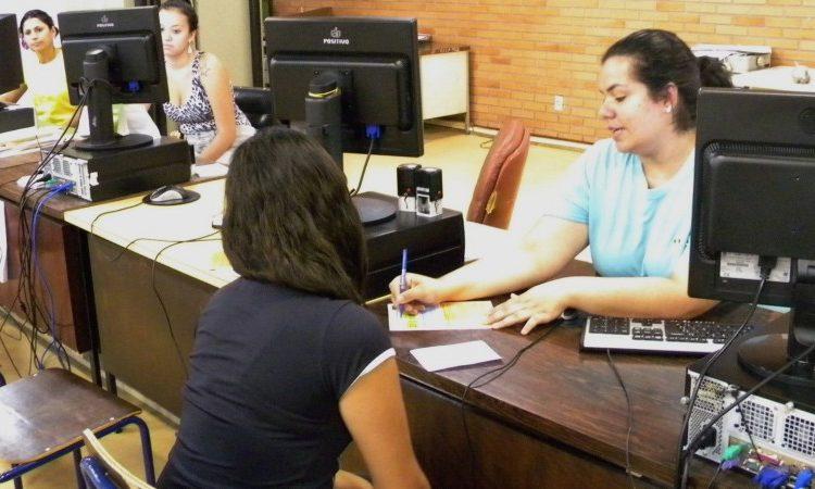Auxiliar de Serviços Gerais, Secretária Escolar - R$ 1.300,13 - Limpeza e conservação do ambiente, atender o público - Rio de Janeiro
