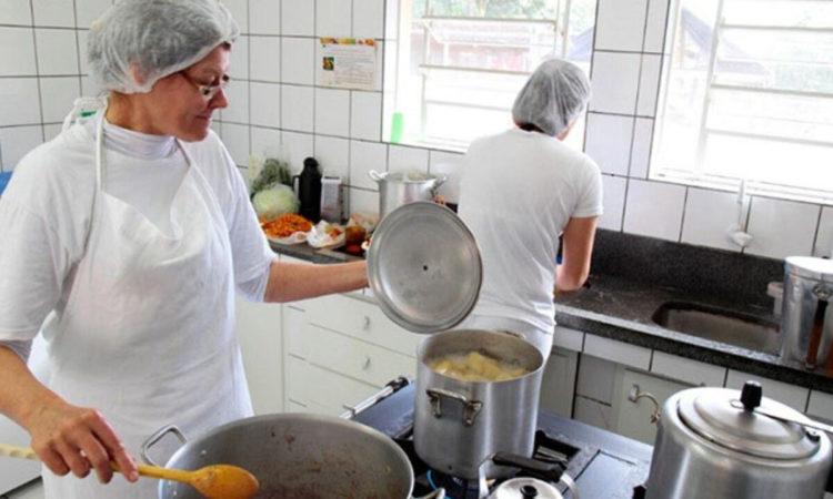 Ajudante de Cozinha - Trabalhar em equipe - Rio de Janeiro