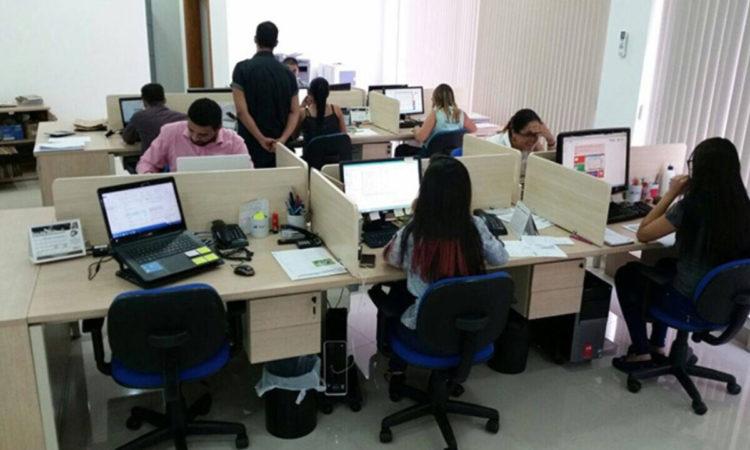 Atendente,Auxiliar Administrativo - R$ 1.450,00 - Ter conhecimentos em informática, rotinas administrativas - Rio de Janeiro