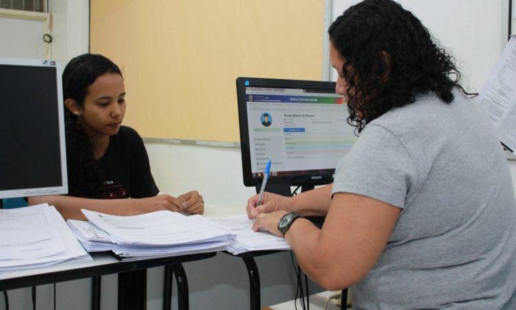 Ajudante de Pedreiro,Auxiliar Administrativo -R$ 1.200,00 - Rotinas de escritório, ter bom relacionamento interpessoal - Rio de Janeiro