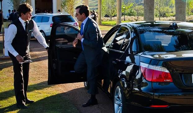 Gerente, Manobrista - R$ 1.600,00 - Conhecimento em tipos de carros diversos, trabalhar em equipe - Rio de Janeiro