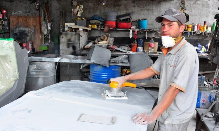 Auxiliar de Produção,Lanterneiro -R$ 1.200,00 - Ser atencioso, ter conhecimento em tipos de carros no geral - Rio de Janeiro