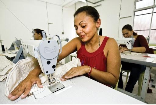 Costureira, Técnico em Mecânico - R$ 1.214,00 - Atuar com costura de fábrica, ser proativo - Rio de Janeiro