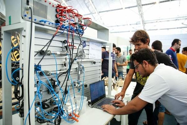Técnico em Eletrônica, Auxiliar de Limpeza - R$ 1.239,00 - Realizar testes operacionais, ser dinâmico - Rio de Janeiro
