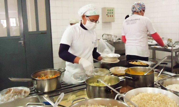 Segurança do Trabalho, Auxiliar de Cozinha - R$ 1.200,00 - Participar da elaboração de projetos, ser dinâmico - Rio de Janeiro