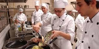 Auxiliar de Cozinha,Esteticista - R$ 1.575,00 - Atuar trabalhando em equipe, ter noções de cozinha - Rio de Janeiro