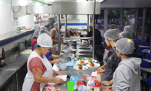 Auxiliar de Administrativo,Ajudante de Cozinha - R$ 1.359,00 - Ser proativo, ter bom relacionamento interpessoal - Rio de Janeiro