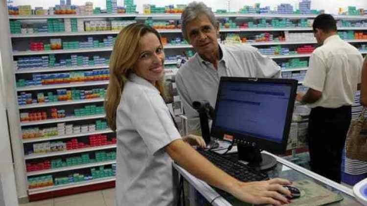 Atendente de Farmácia,Motorista - R$ 1.119,00 - Prestar atendimento ao cliente, ter bom relacionamento interpessoal - Rio de Janeiro
