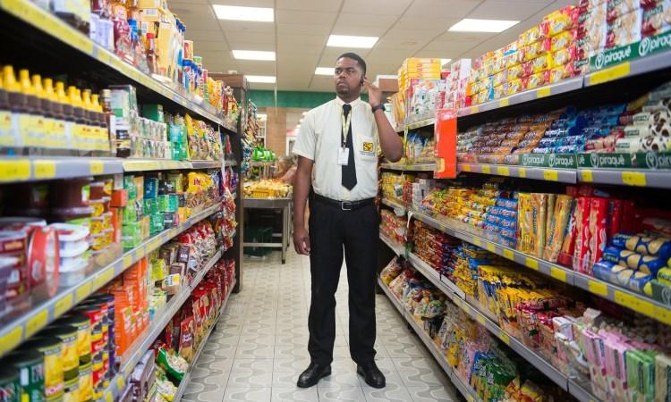 Assistente Comercial, Fiscal de Salão -R$ 1.215,80 - Ser comunicativo, atuar com trabalho em equipe - Rio de Janeiro