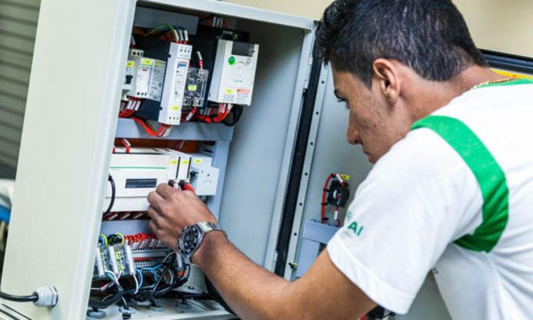 Doméstica, Técnico emEletrônica - R$ 1.600,00 - Trabalhar em escalas, utilizar ferramentas de medição - Rio de Janeiro