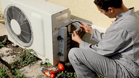 Auxiliar de Escrita, Mecânico de Refrigeração - R$ 1.600,00 - Atuar com a arrumação de mercadorias, ter conhecimentos em elétrica - Rio de Janeiro