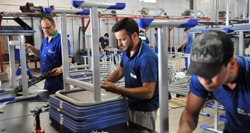 Auxiliar de Estoque, Marceneiro - R$ 1.300,00 - Trabalhar com mercadorias, ter pontualidade - Rio de Janeiro