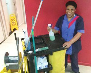 Auxiliar de serviços gerais hospitalar, cuidadora de idosos, copeira, técnica de enfermagem - R$ 1.400,00 - escala 12x36 - Rio de janeiro