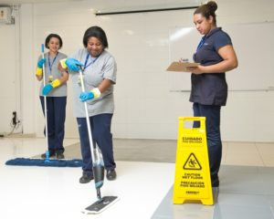 Faxineira limpeza, operador de depósito, atendente de cafeteria, vendedora - R$ 1.229,37 - com e sem experiencia - Rio de Janeiro