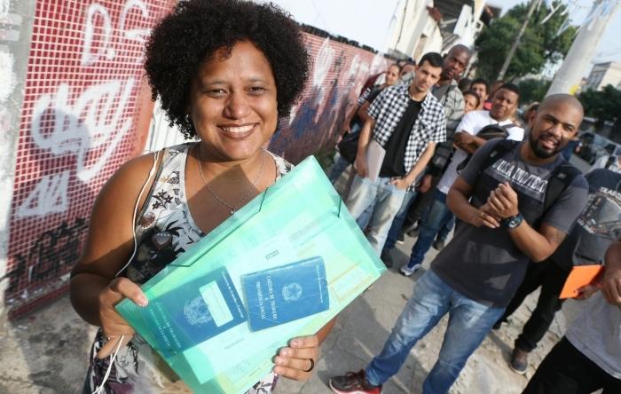 Lista com mais de 50 Emails de lojas, lanchonetes, hospitais, comércio, clinicas e outrosestão aceitando curriculos para vagas de empregos - Rio de janeiro