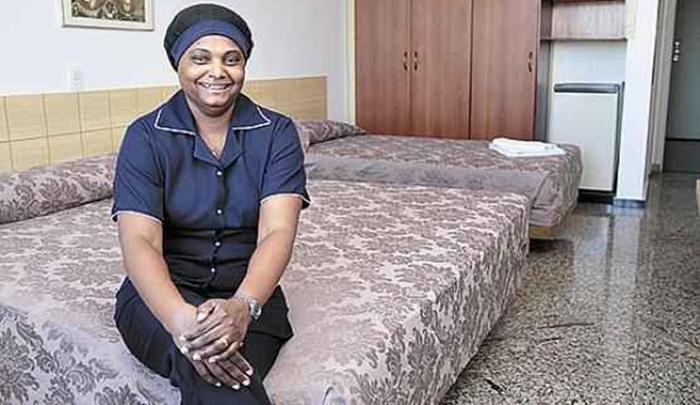 Arrumadeira camareira,auxiliar de produção,estoquista - R$1.235,00 -ensino fundamental médio - Rio de janeiro