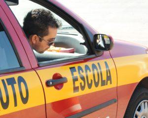 Instrutor de Autoescola, Encarregado de Limpeza - R$ 1.250,00 - Ser paciente, ter boa comunicação - Rio de Janeiro