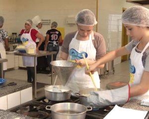Auxiliar de Cozinha,Doméstica - R$ 1.200,00 - Trabalhar em escalas, ter bom relacionamento interpessoal - Rio de Janeiro