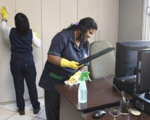 Auxiliar de limpeza, auxiliar de serviços gerais, copeira, técnico de enfermagem - R$ 1.350,00 - com e sem experiência - Rio de Janeiro